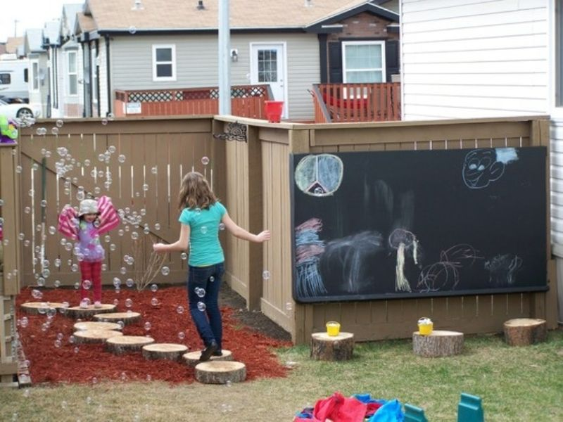 Outdoor Play Area Designs that will Keep your Kids Entertained all summer 3