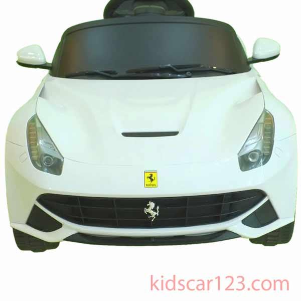 siêu oto điện Ferrari F12 81900 màu trắng