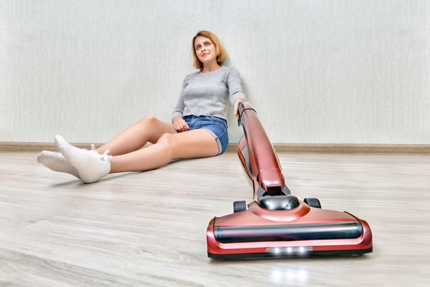 Are you looking for the best cordless vacuum cleaner for hardwood floor? You might just find it in our review. Click on to read now.