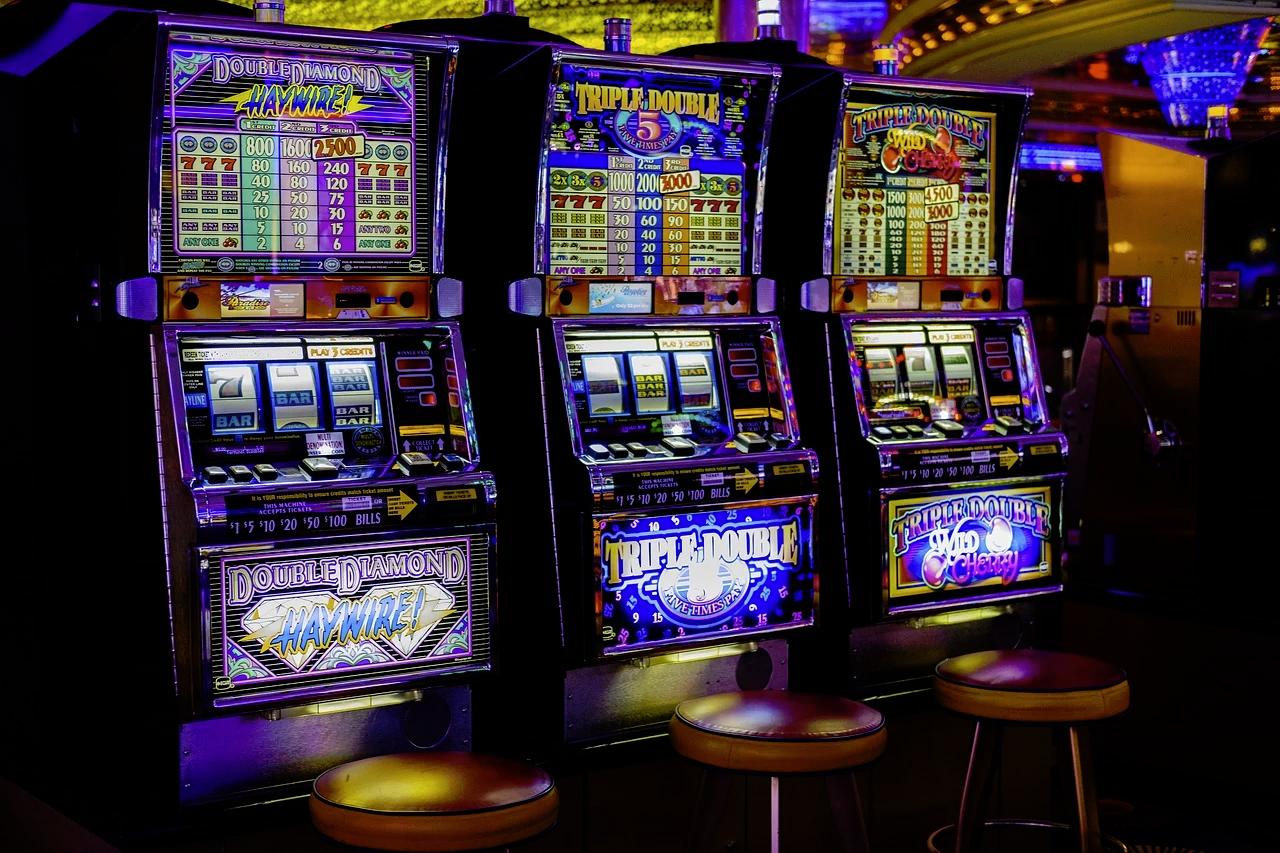 How Do Casino Slot Machines Work