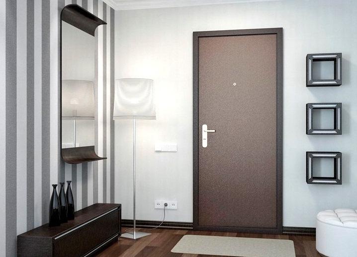 Установка входной двери в квартире