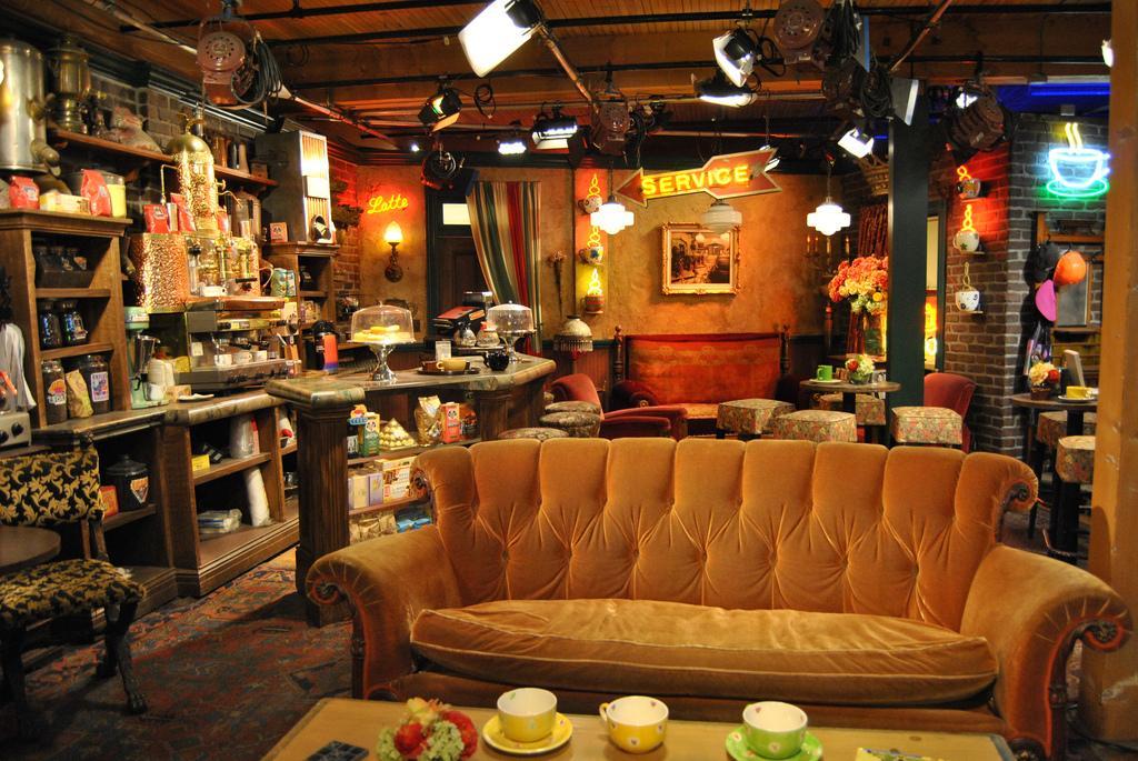 Kết quả hình ảnh cho bar friends serie tv