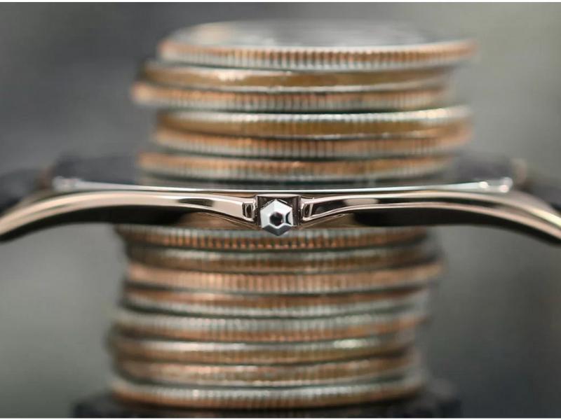 Dòng Đồng hồ Citizen Eco drive nữ sở hữu những mẫu sản phẩm chỉ mỏng bằng đồng xu!