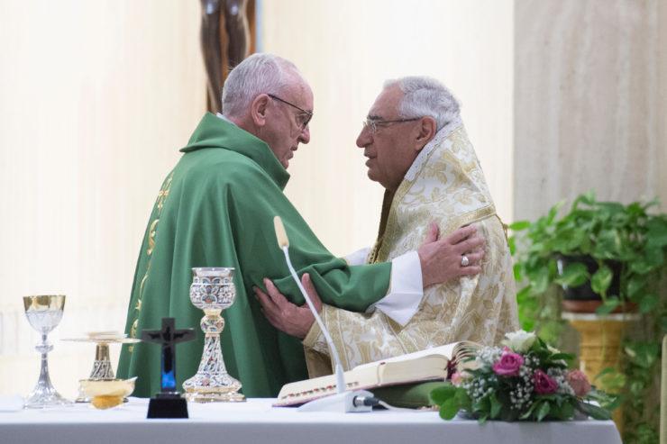 Đức Thánh Cha và Đức Thượng Phụ, cùng dâng Lễ trong Nhà nguyện Thánh Marta