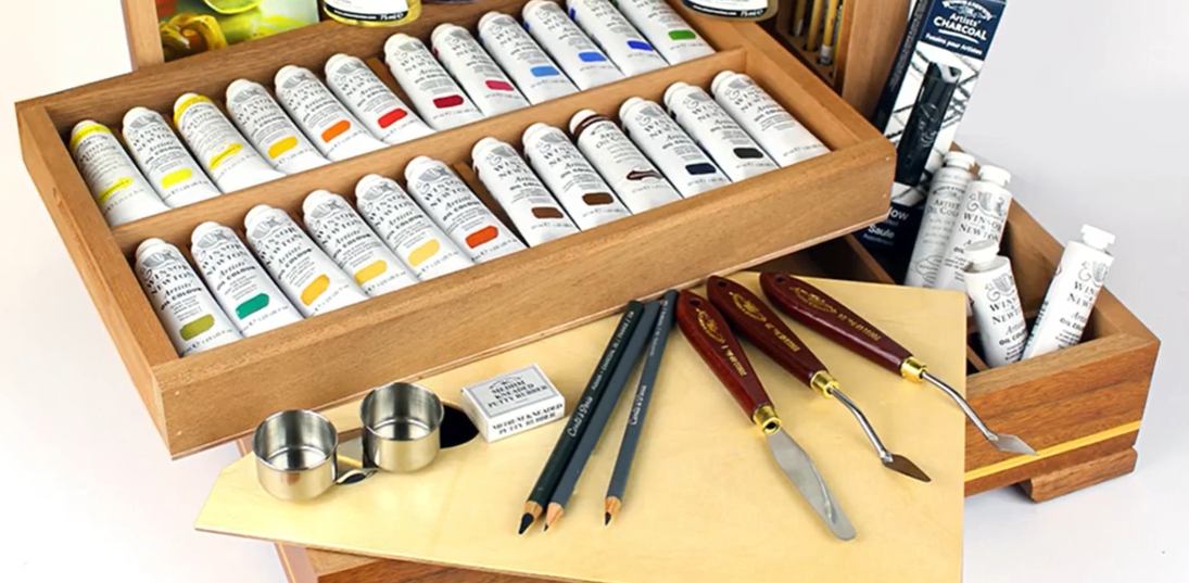 Windsor Newton paint and palette knives