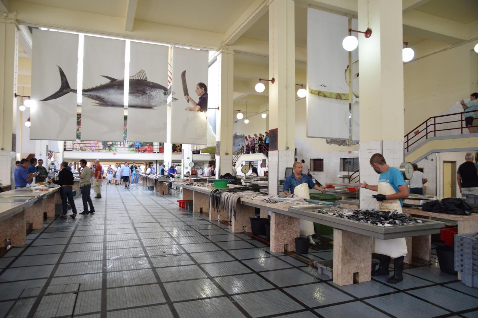 "(<img alt=""Madeira Fish market"">)"