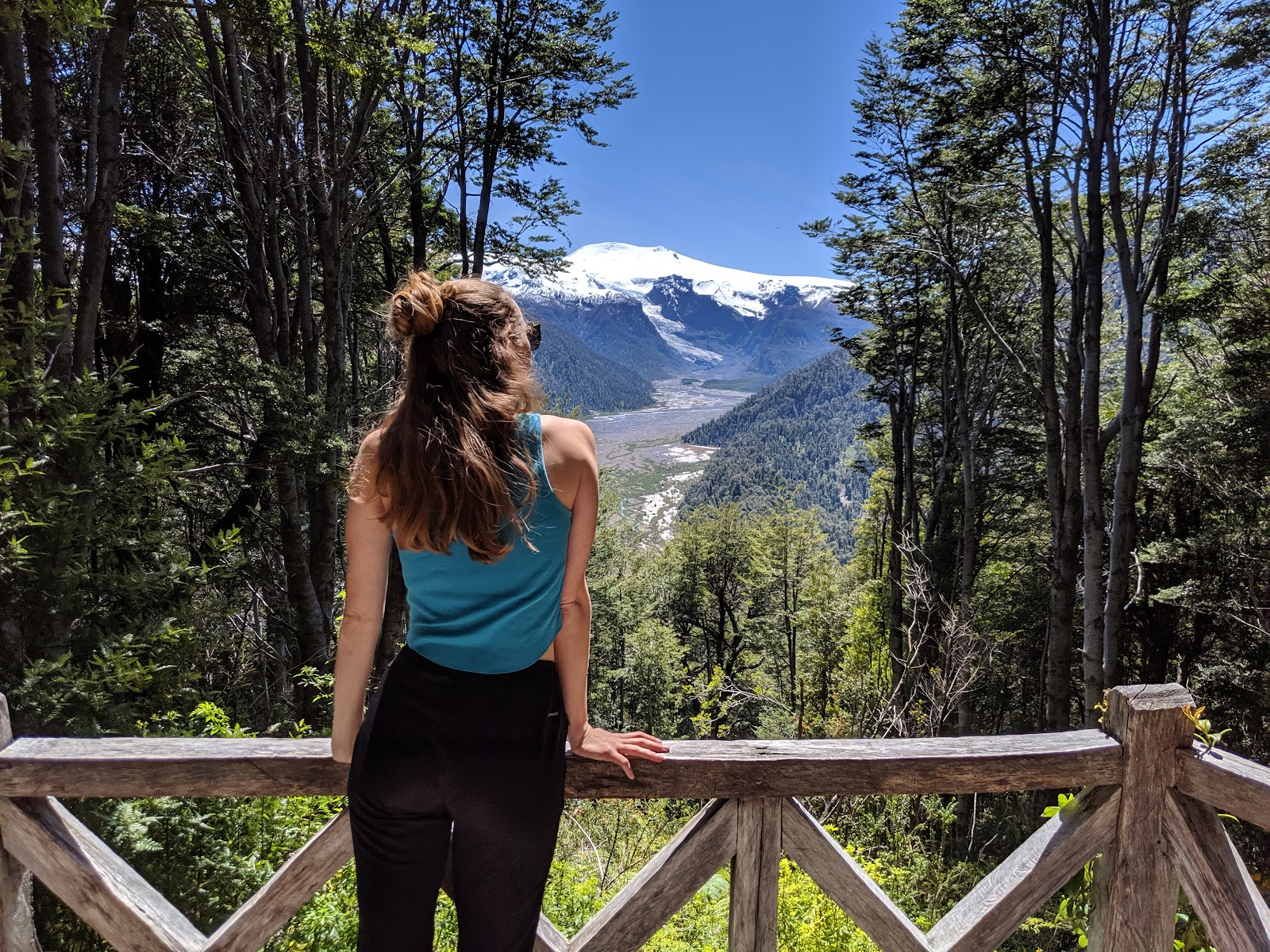 10 day road trip on the Carretera Austral - Mirador hike viewpoint of the Michinmahuida Glacier