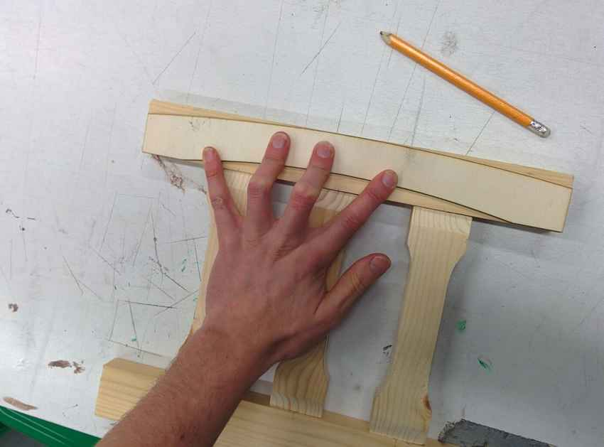 Детали спинки деревянного стула