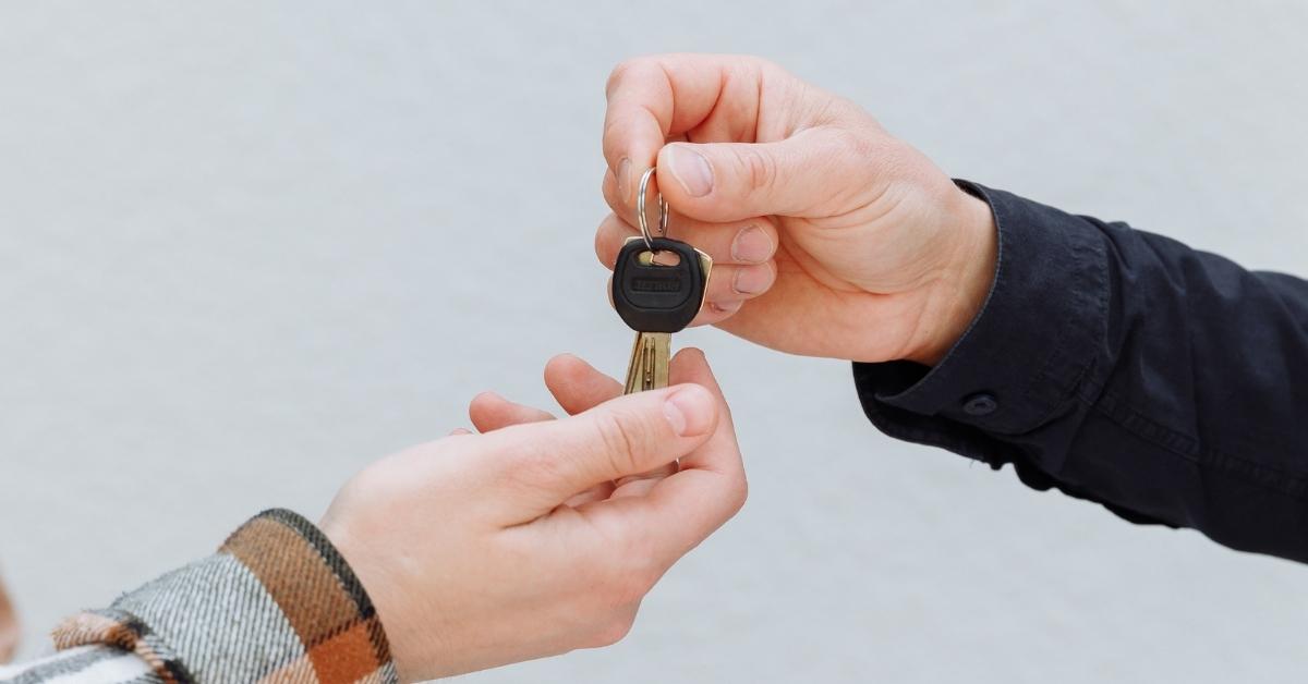 predávanie kľúčov od nehnuteľnosti po vklade do katastra