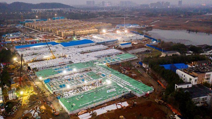 Resultado de imagem para Como a China construiu dois hospitais em 15 dias?