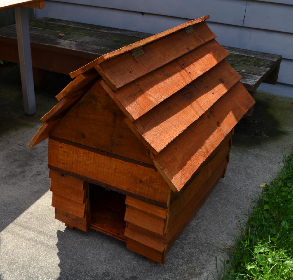 The finished dog house