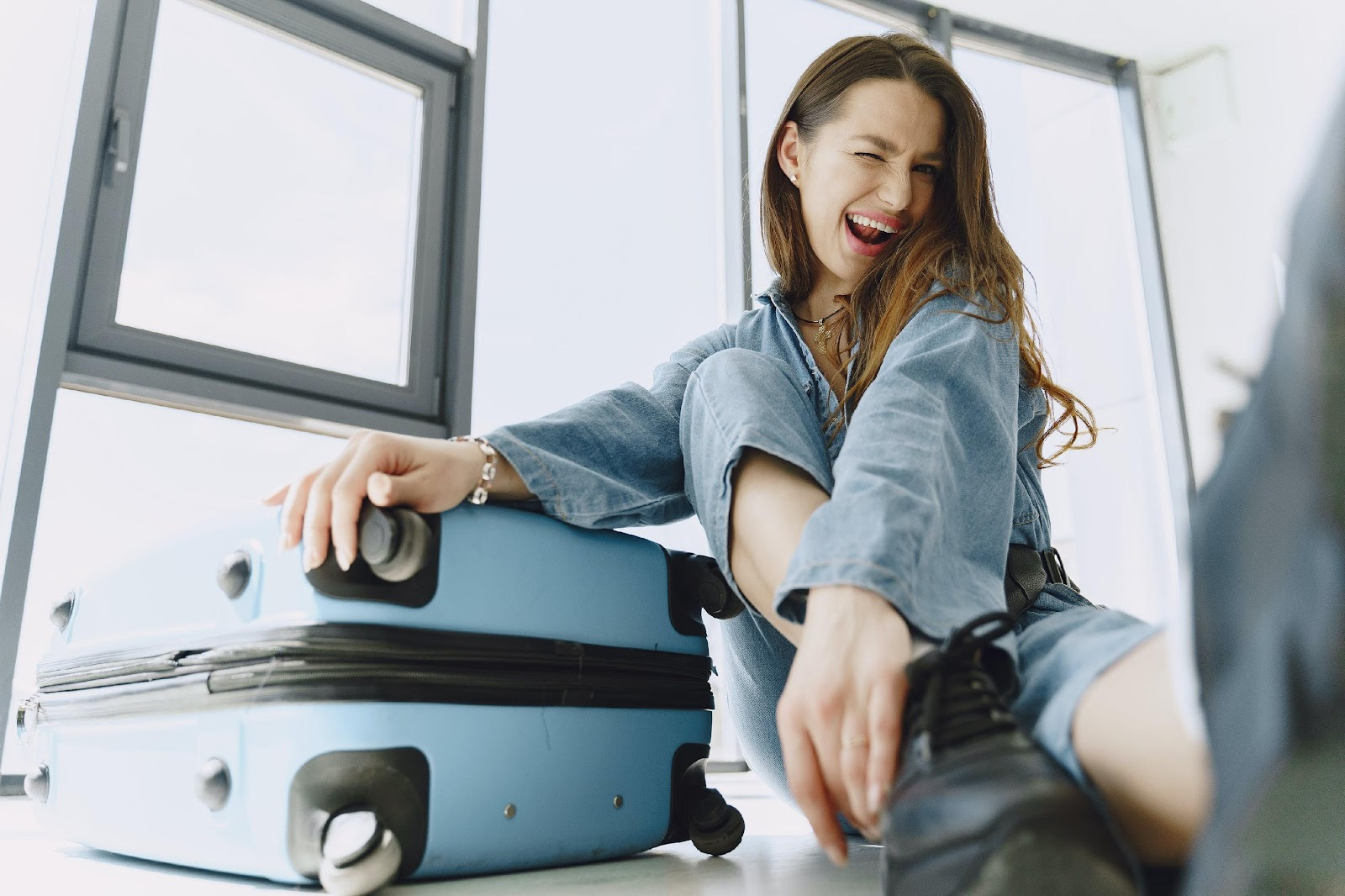 Beneficial Tips that Guide Traveling Students to Manage their Budget