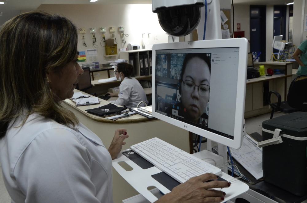 Além do atendimento à distância, tecnologia permite a troca de informações entre profissionais médicos para o acompanhamento de pacientes. (Fonte: Governo de Tocantins)