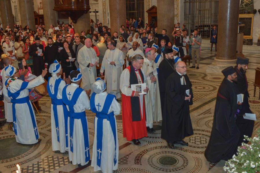 Preghiera_ecumenica_per_la_Pace_in_occasione_della_Pasqua_in_comune_per_tutte_le_Chiese_Cristiane_Roma_21_aprile_2014_14.jpg