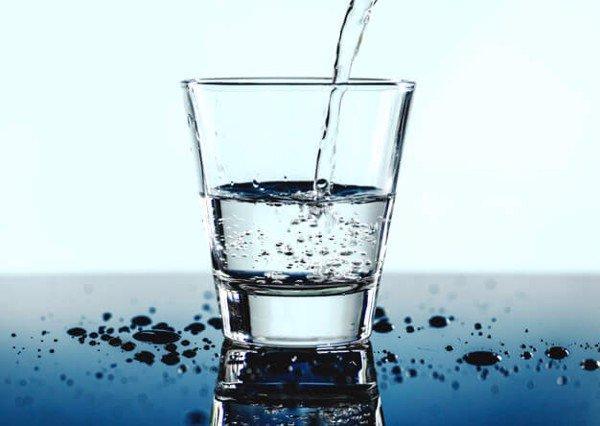 cốc nước