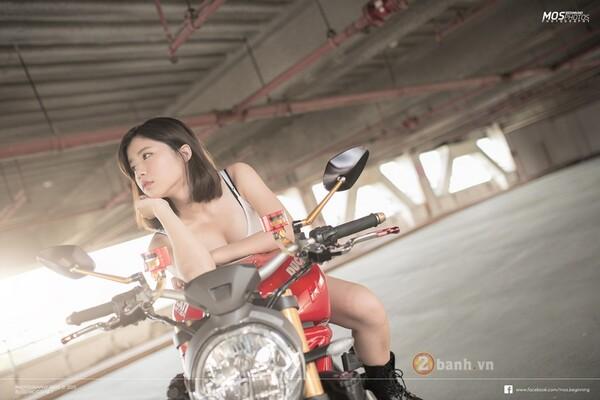 DucatiMonster 1200S độchất lừ bên cạnh cô nàng cá tính