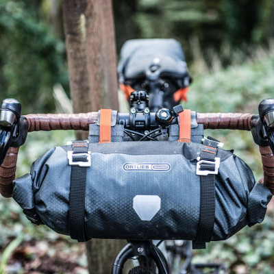 bikepacking: sacoche guidon