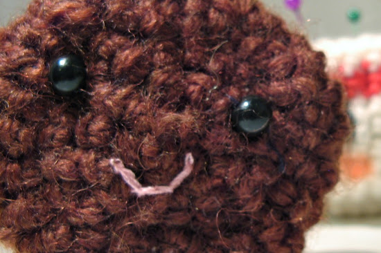 Cute Amigurumi coffee cup pattern with his buddy the chocolate cookie. Easy to follow and fun crochet pattern by The Sun and the Turtle.
