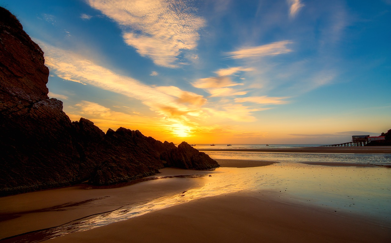 Sunset over the beach in Tenby, Pembrokeshire