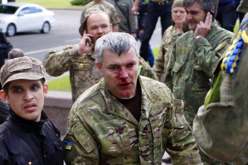 Одне з найжорсткіших протистоянь 9 травня 2017 року відбулося у Дніпрі. Тоді «тітушки» жорстко побили ветеранів АТО ()