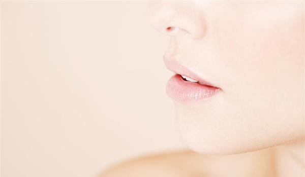 Five Tips For Maintaining A Day Lasting Lip Bleaching