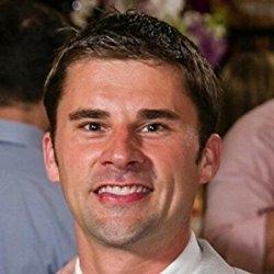 Peter Hollins