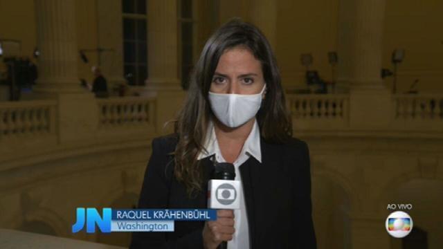 Raquel Krähenbühl, 36 anos, saiu de DC (Dois Córregos, SP) e foi para DC (Washington, EUA). Mantém a temperatura da notícia, ao vivo, no lugar certo, sem recorrer a estridências.