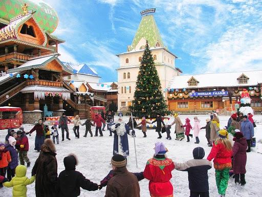 Folk Festival in winter Moscow - Izmailovo Kremlin