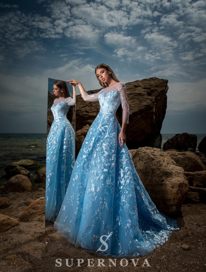 Вечірня сукня з пишною спідницею