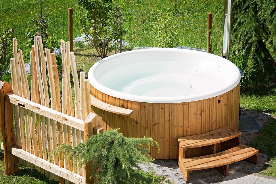 hot tub2.jpg