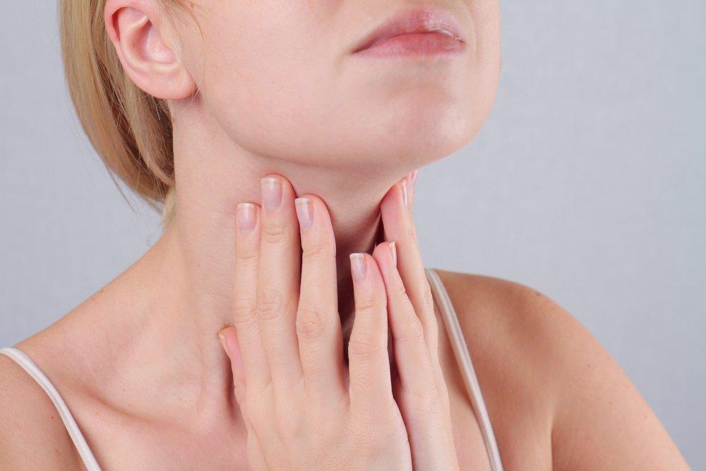 Когда нужна запись к эндокринологу, симптомы, которые могут указать на проблемы гормонов, желез