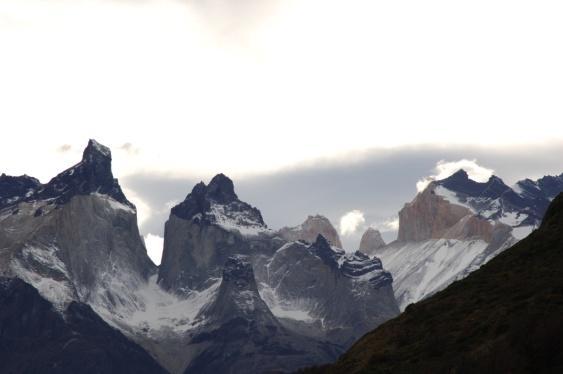 C:\Users\MariaConstance\Desktop\QWERTY TRAVEL\Fotos\CRUCEROS SKORPIOS\Ruta Kaweskar (Alta Resolucion)\38 Cuernos del Paine.jpg
