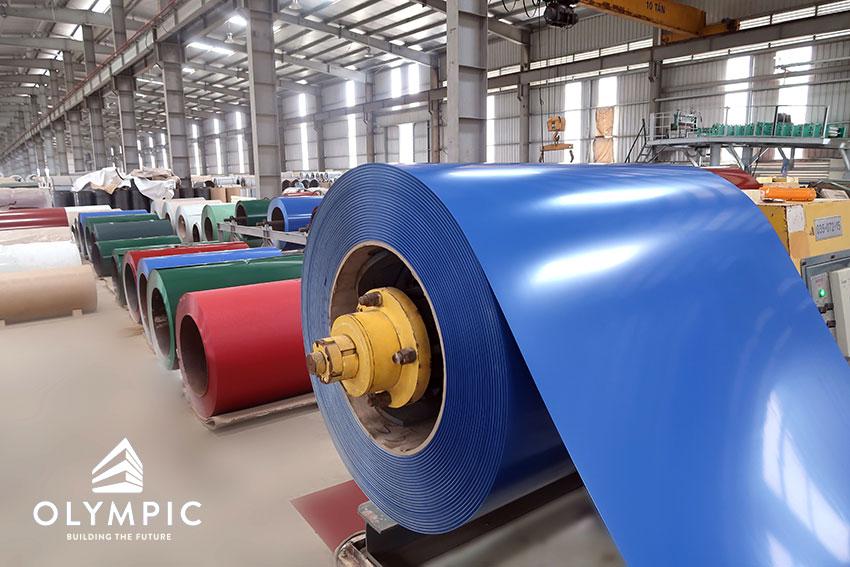 Cuộn Tôn mạ màu tại nhà máy Mỹ Việt