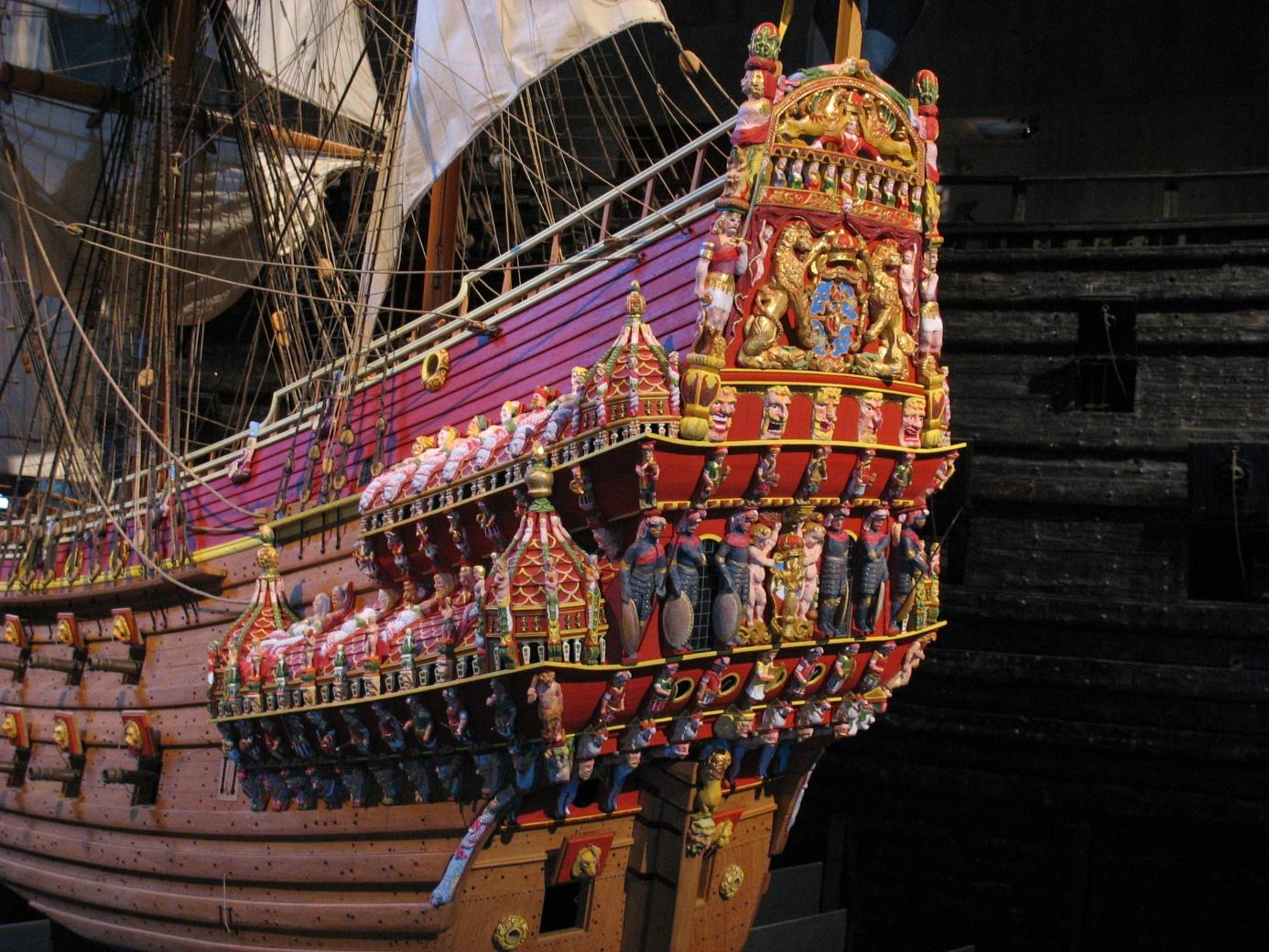 https://upload.wikimedia.org/wikipedia/commons/5/5e/Vasa_stern_color_model.jpg
