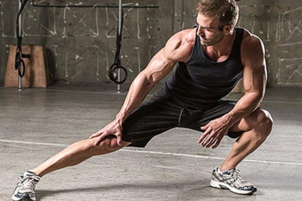 Chọn quần áo, giày thể thao thoải mái khi tập thể dục thể thao