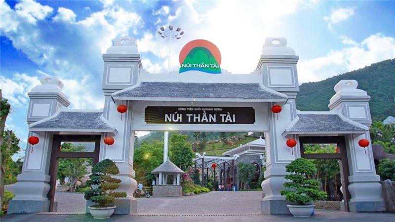 Khu nghỉ dưỡng núi thần tài Ebisu Đà Nẵng