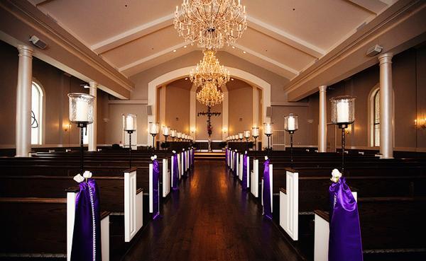 Loại ghế nhà thờ có băng dài được sử dụng phổ biến