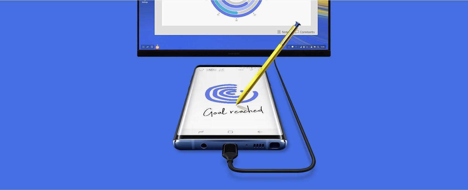 Hình ảnh Galaxy Note9 được kết nối với màn hình qua bộ tiếp hợp HDMI nhỏ