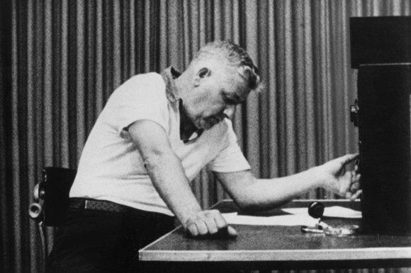 http://www.bbcprisonstudy.org/includes/site/files/images/Milgram%20Teacher.jpg