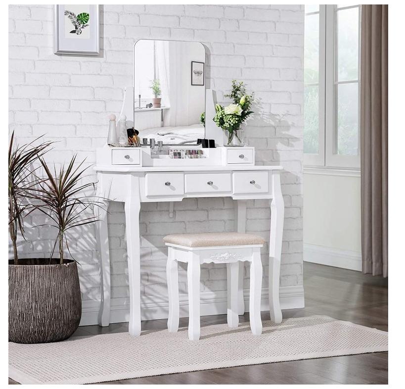 Recenze Creative-home.cz: bílý toaletní stolek s židlí