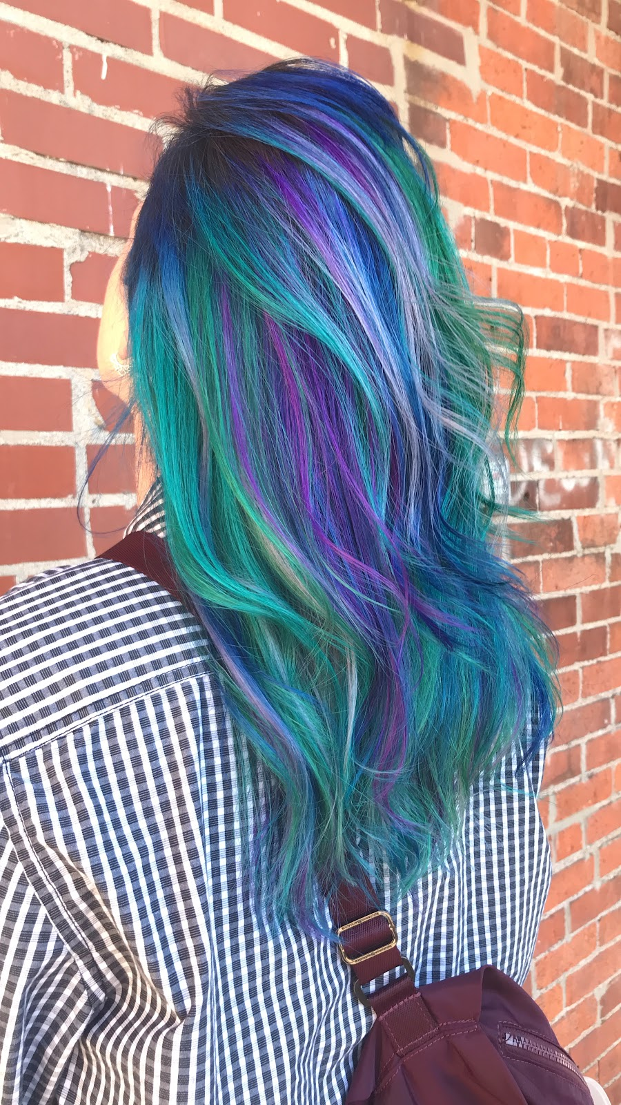 @aerialdowdy Dimensional, cool mermaid hair using PulpRiot at Philosophi Salon in Columbus, Ohio