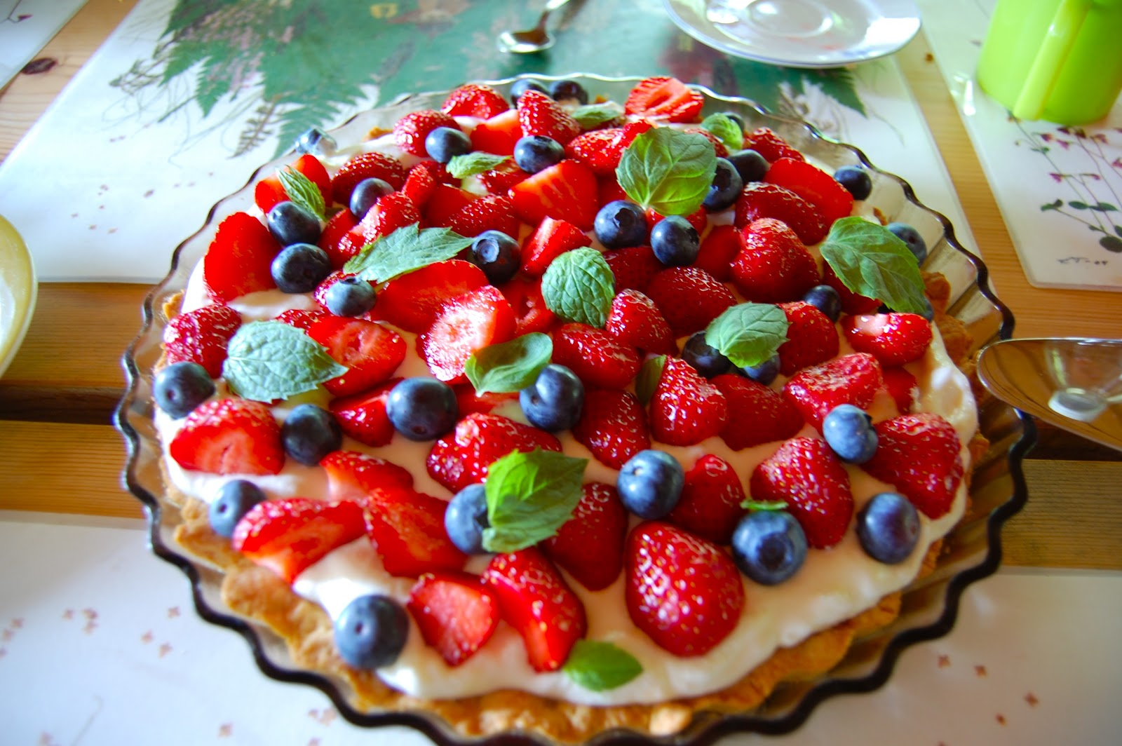 File:Strawberry-blueberry pie,