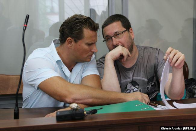 Адвокат Валентин Рибін і Станіслав Єжов у суді. 2 липня 2019 року