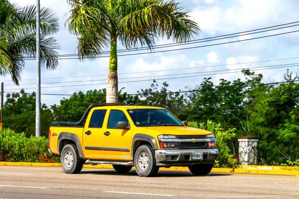 Double cabin pickup trucks