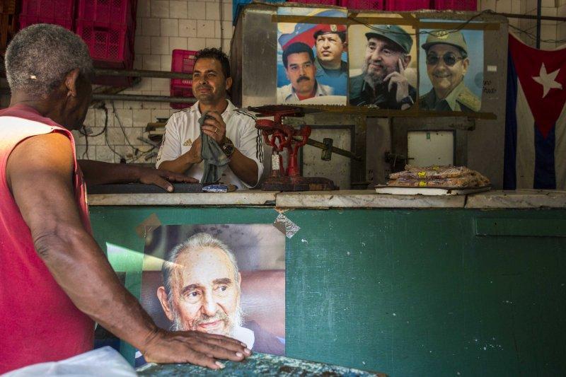 古巴革命領導人卡斯楚已經高齡90歲,首都哈瓦納到處都看得到他(AP)