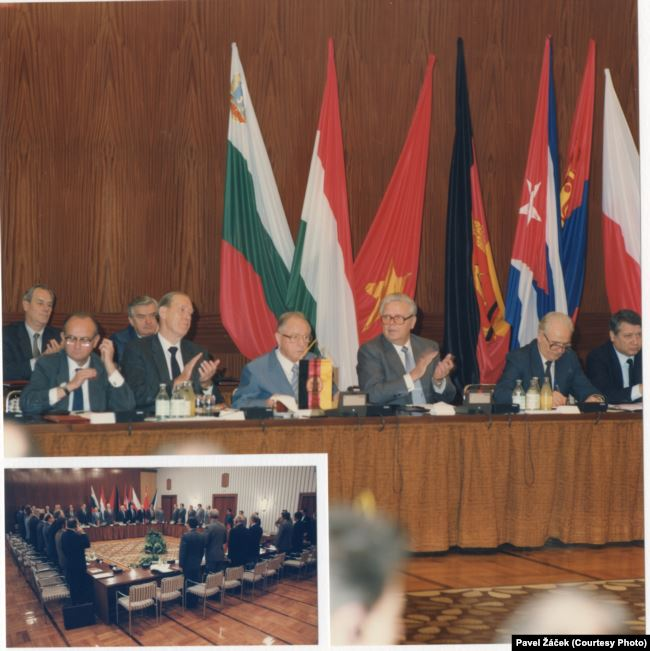 Одно из последних совещаний руководителей спецслужб стран советского блока. Восточный Берлин, 1988 год