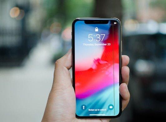 Sửa lỗi màn hình iPhone XS bị sọc lấy ngay