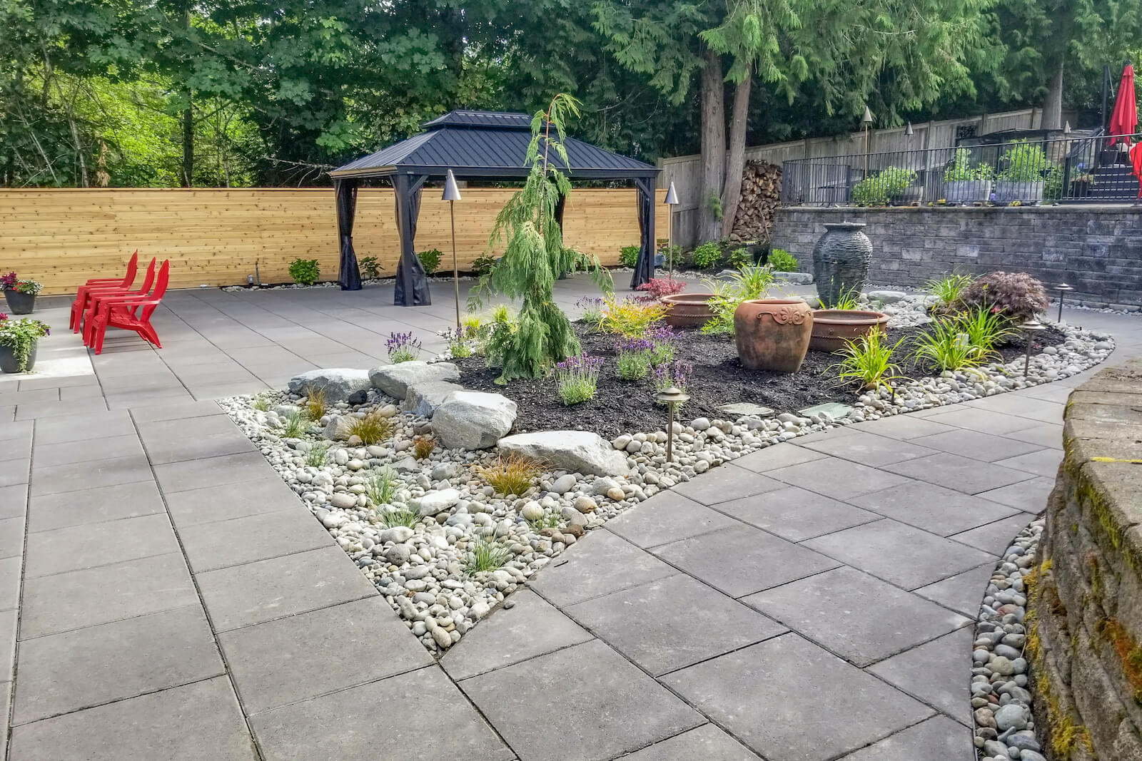 How to Use La Lastra ™ Slabs in Your Hardscape