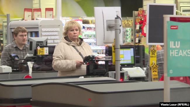 Найбільше скарг на незнання державної мови отримують касири у супермаркетах