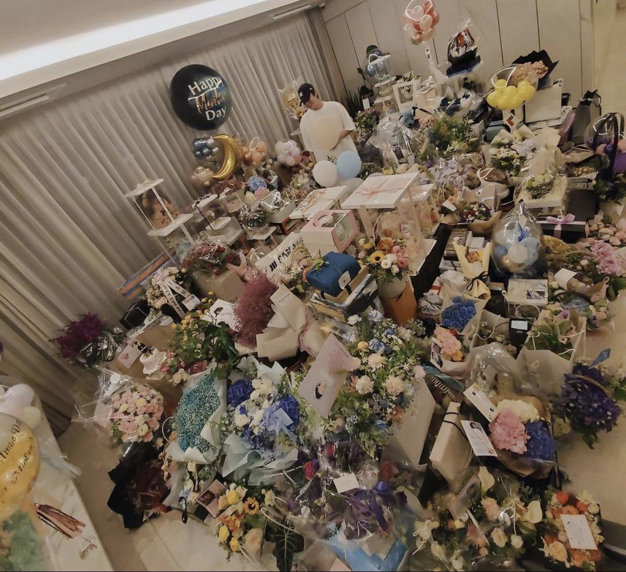 Lee Min Hoo Khoe núi quà khủng được tặng vào dịp sinh nhật 34 tuổi